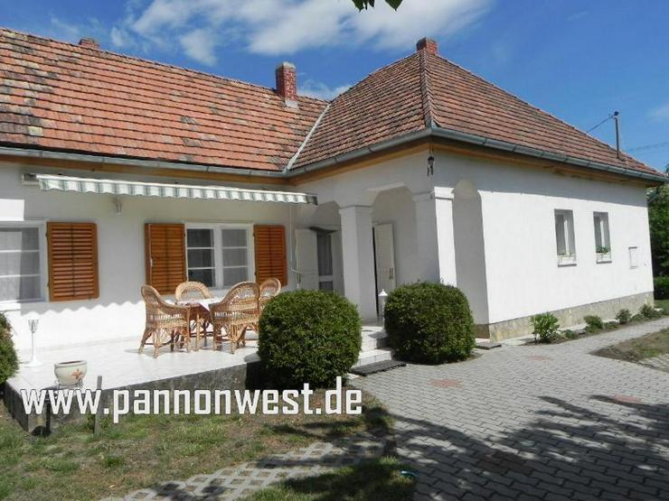 Ebenerdiges, gepflegtes Einfamilienhaus 3,5 km vom Plattensee - Haus kaufen - Bild 1