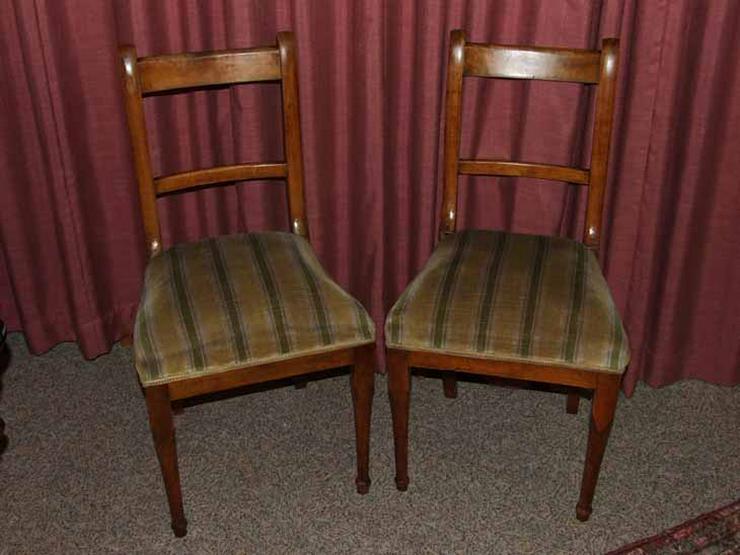 Zwei gepolsterte Biedermeier Stühle / Holzstühl