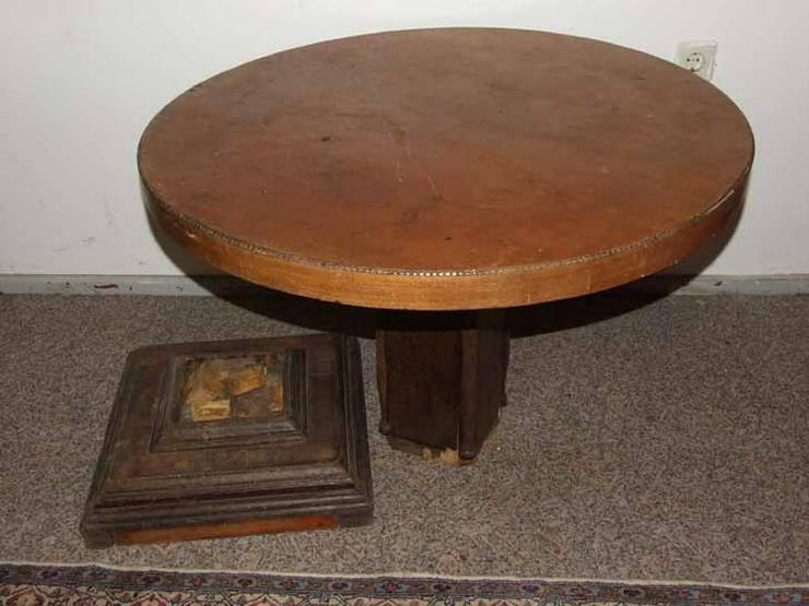 Runder Jugendstil Tisch in Eiche furniert / Ess