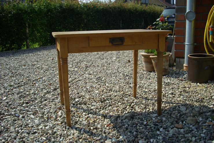 Gründerzeit Tisch mit Schublade