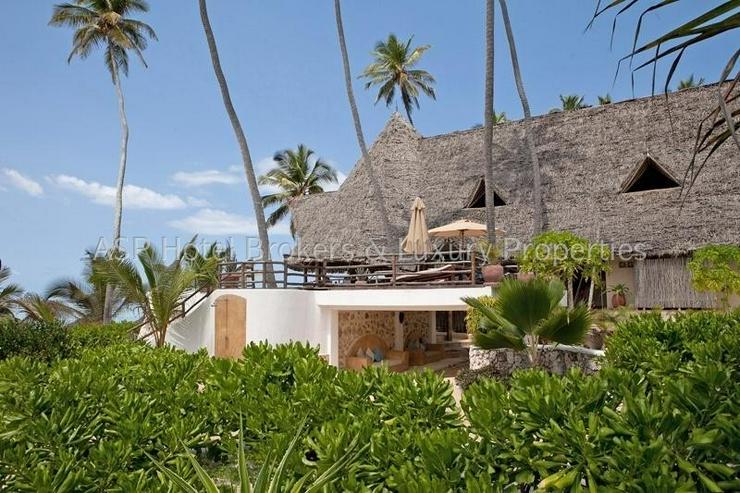 Bild 4: Neues 5-Sterne Luxus Bungalow Beach Resort am Strand auf der Insel Sansibar vor Tansania z...