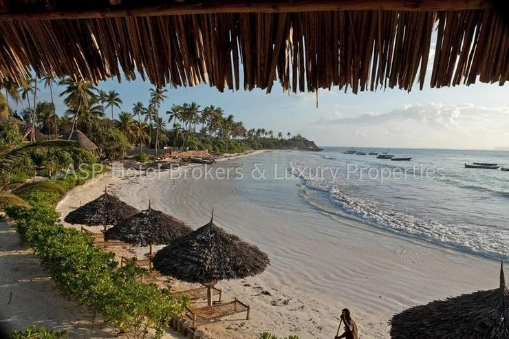 Bild 5: Neues 5-Sterne Luxus Bungalow Beach Resort am Strand auf der Insel Sansibar vor Tansania z...