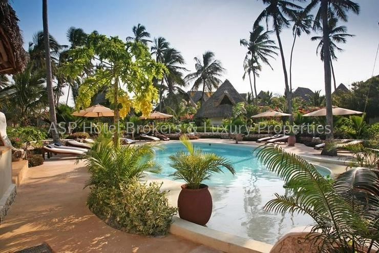 Bild 2: Neues 5-Sterne Luxus Bungalow Beach Resort am Strand auf der Insel Sansibar vor Tansania z...