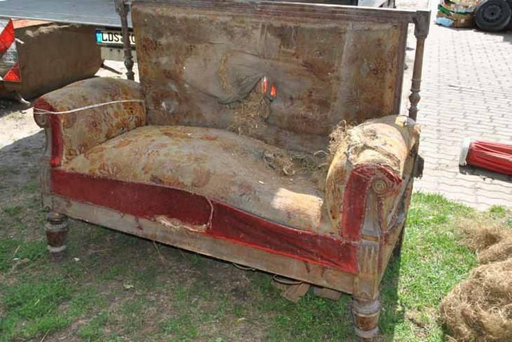Gründerzeit Sofa / Couch mit Holzgestell aus Nu