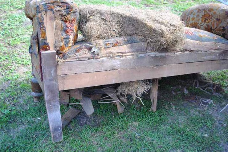 Bild 4: Gründerzeit Sofa / Couch mit Holzgestell aus Nu