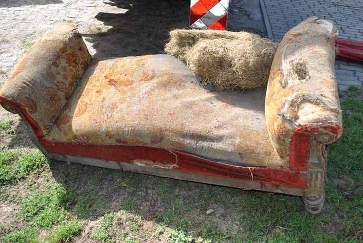 Bild 2: Gründerzeit Sofa / Couch mit Holzgestell aus Nu
