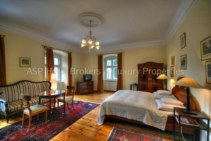 Bild 6: Eines der schönsten top renovierten Luxus Barock und Rokoko Schlösser Europas in Schlesi...