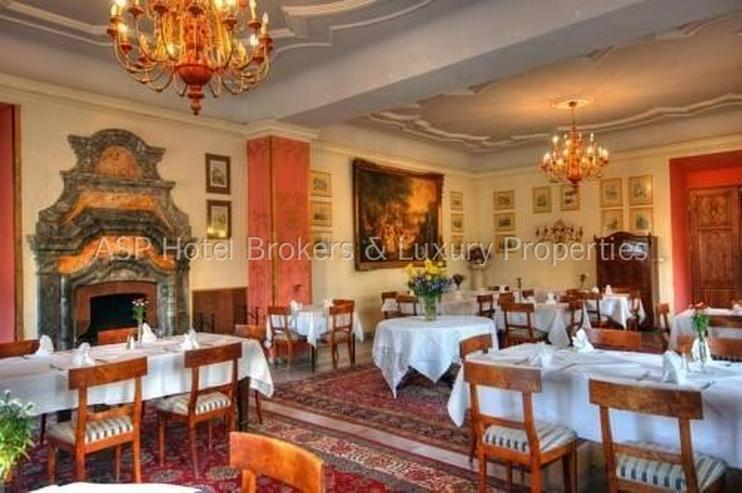Bild 4: Eines der schönsten top renovierten Luxus Barock und Rokoko Schlösser Europas in Schlesi...
