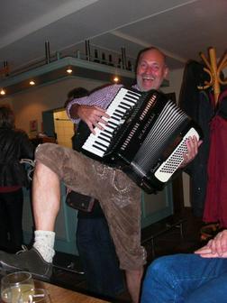 Akkordeonspieler Musikant Alleinunterhalter - Musik, Foto & Kunst - Bild 1