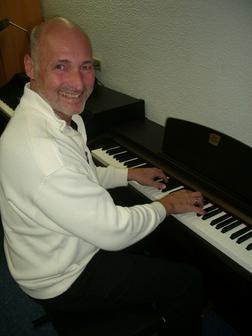 Klavierunterricht Akkordeonunterricht - Instrumente - Bild 1