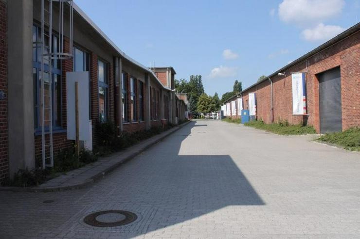 Bild 2: PROVISIONSFREI Produktionshalle mit Starkstrom, Lackierhalle, Brennofen u.s.w.