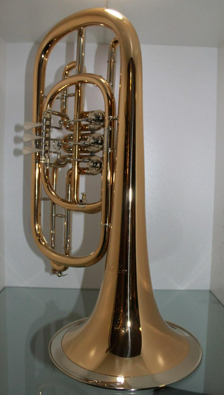 Bild 3: Luxus Basstrompete in Bb. Goldmessing, Handarb.