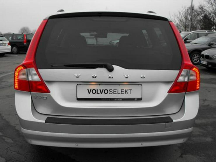 Bild 4: VOLVO V70 D4 Geartr. Mom.-Leder-Xenon-Navi-SDach-35,2%