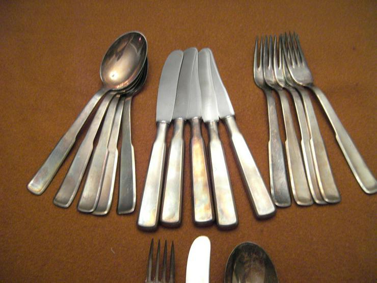Silberbesteck mit 100 Auflage und Krone