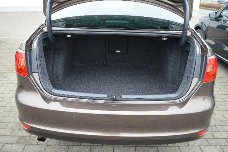 Bild 3: VW Jetta Match 1,2 TSI, Xenon, Teilleder, SH, Navi