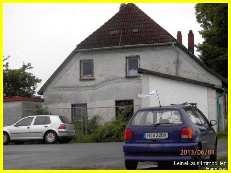 Bild 4: Grundstück mit altem Wegehaus