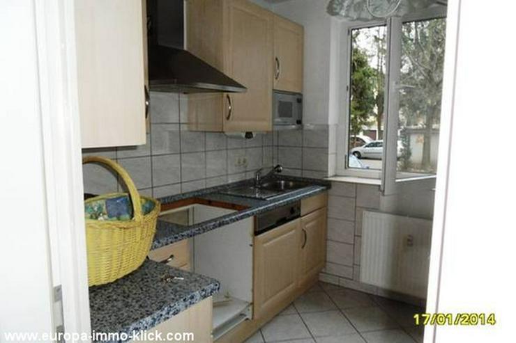 Bild 2: Eine schöne 4 ZKBB EG. Etagen-Wohnung. EBK. Garage, Zentr.Nähe Saalestr. 32425