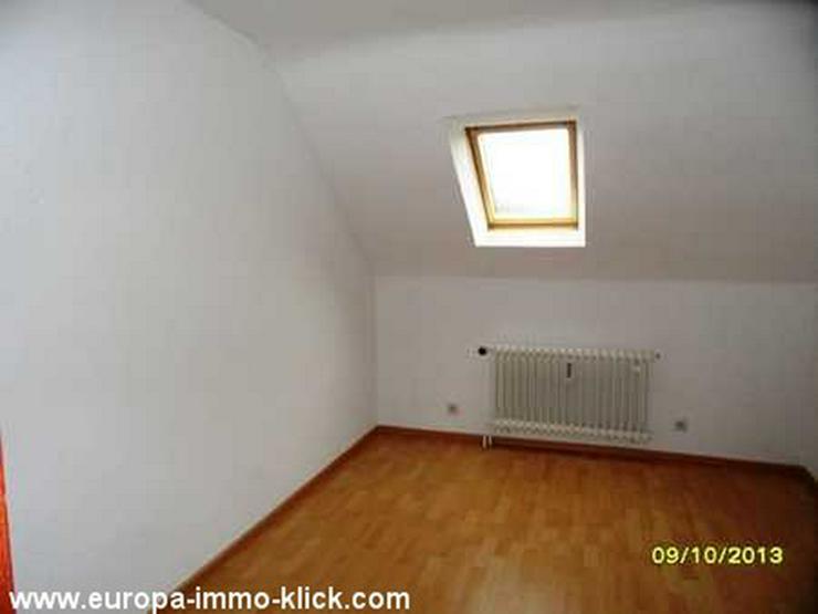 Bild 4: 3 ZKBB DG. Wohnung Balkon, Stellplatz, Steinkreuzstr.. 32423