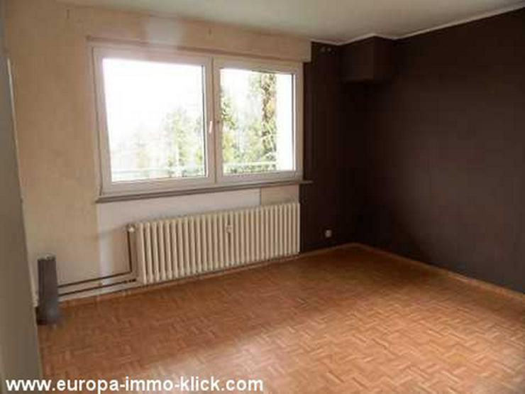 Bild 4: 4 ZKBB Wohnung, Neu renoviert, Stellplatz, 3. OG. Nähe Saale Str.. 32425 Minden