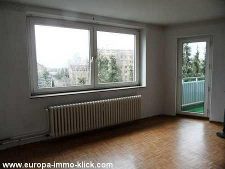 Bild 2: 4 ZKBB Wohnung, Neu renoviert, Stellplatz, 3. OG. Nähe Saale Str.. 32425 Minden