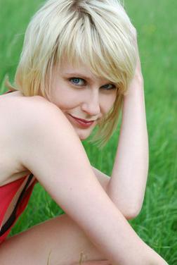 Blondes M�dchen lieben Mann - Sie sucht Ihn - Bild 1