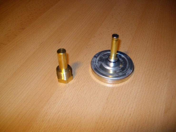 Bild 3: PRE Zeigerthermometer mit Tauchhülse für Puffer