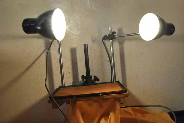 Bild 2: Pentacon Fototisch mit zwei Lampen aus den 50er