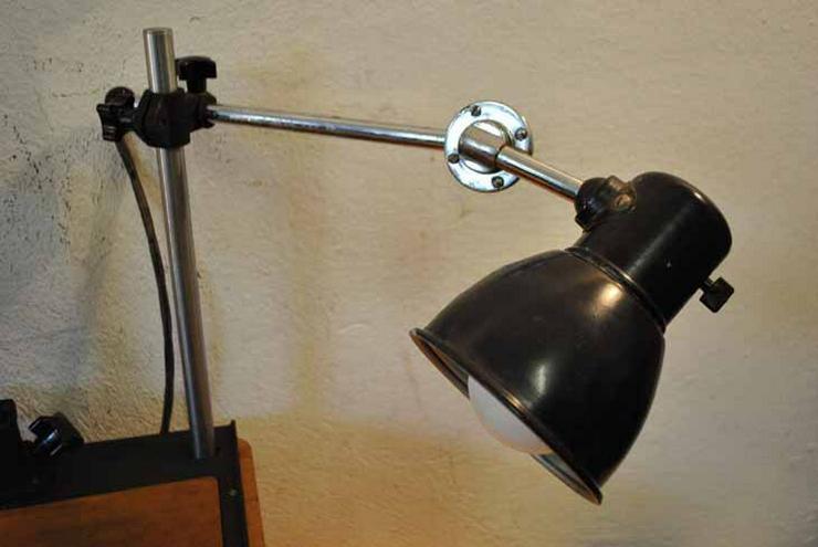 Bild 6: Pentacon Fototisch mit zwei Lampen aus den 50er
