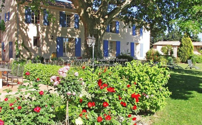 Bild 3: Exclusives romantisches Provence Herrenhaus mit einigen Gästesuiten in der Nähe von Avig...