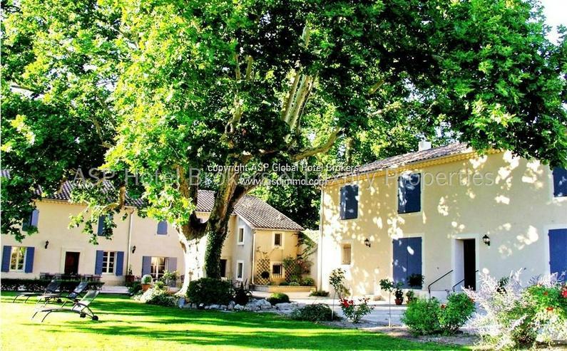 Bild 2: Exclusives romantisches Provence Herrenhaus mit einigen Gästesuiten in der Nähe von Avig...