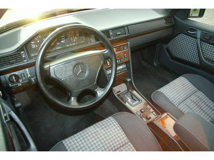 Bild 6: MERCEDES-BENZ E 320 Cabrio - Top Zustand-