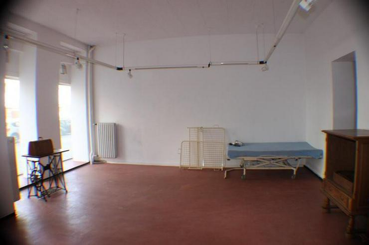 Bild 6: Gewerbeeinheit für Büro, Praxis, Gaststätte Kita Fahrschule, Schulungsräume u.a. Miete...