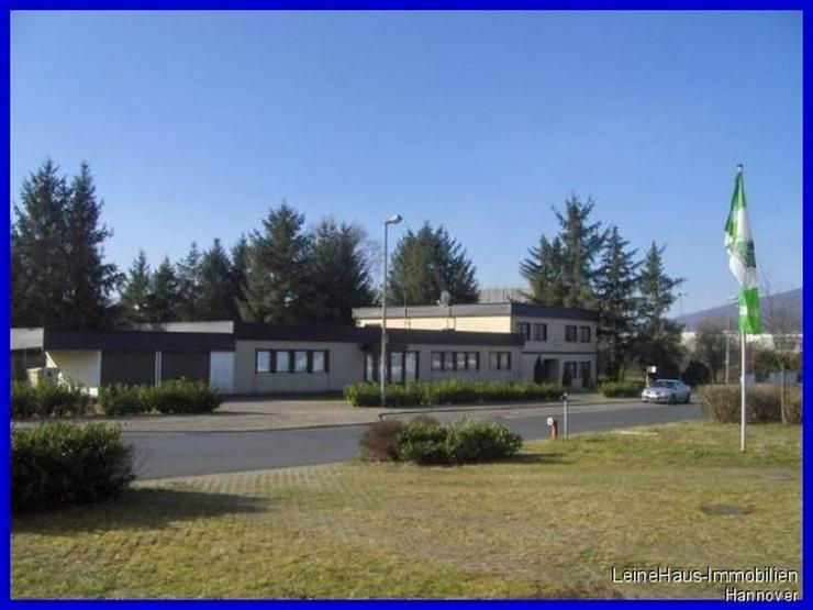 Gewerbeanwesen - Bürogebäude mit Wohnung