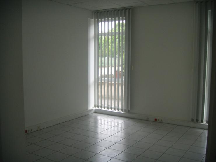 Bild 8: Provisionsfrei und sofort verfügbar - helle Büro-, Laden- oder Praxisfläche in Hennef
