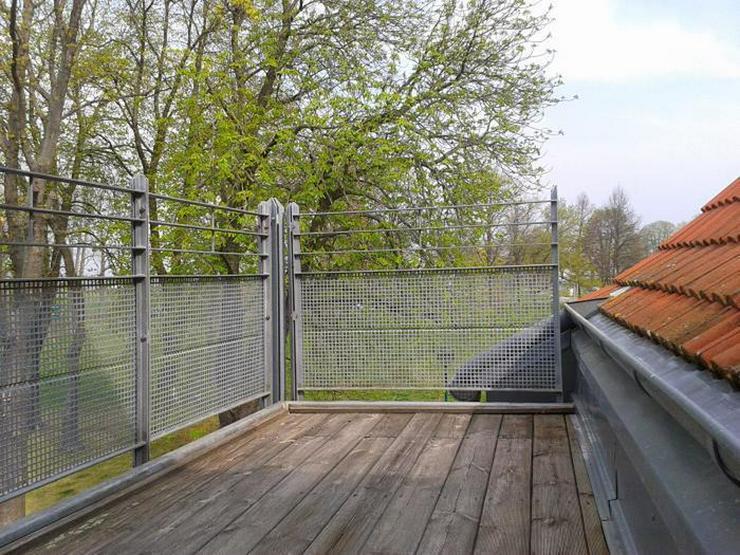 2 - Raumwohnung mit Balkon im Dachgeschoss!