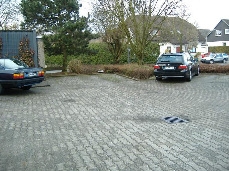 Bild 2: Pkw Einstellplatz