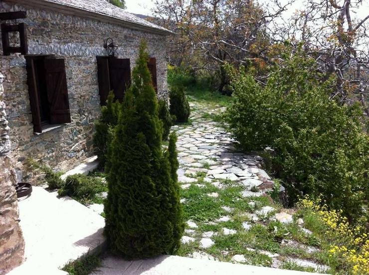 Bild 2: Trad. Natursteinhaus auf dem Pilion