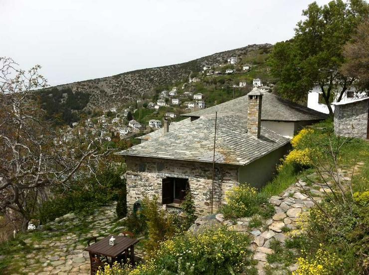 Bild 3: Trad. Natursteinhaus auf dem Pilion