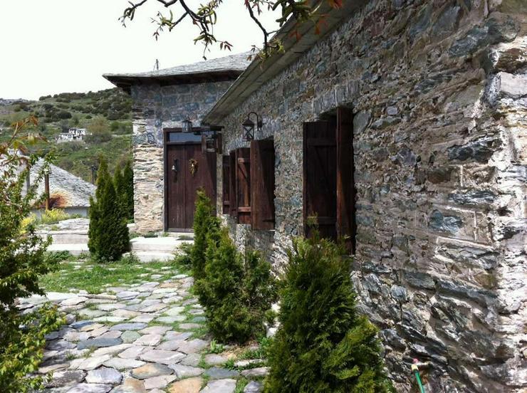 Bild 4: Trad. Natursteinhaus auf dem Pilion