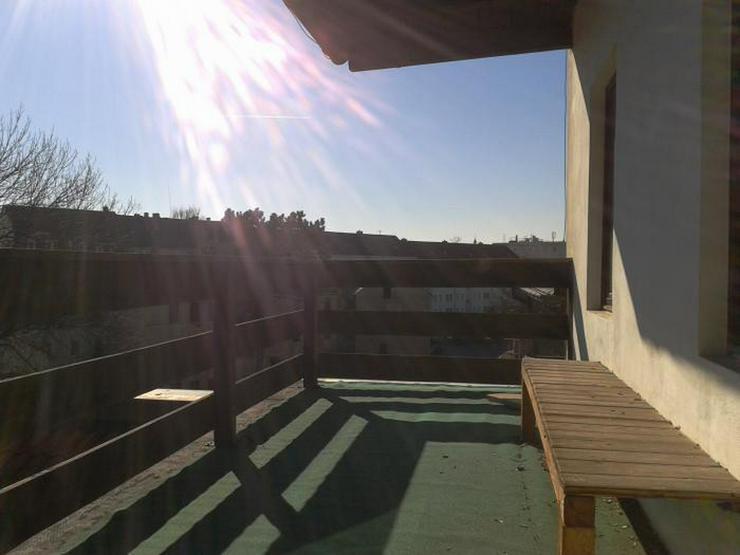 2 - Raumwohnung mit Balkon im Dachgeschoss! - Wohnung mieten - Bild 1