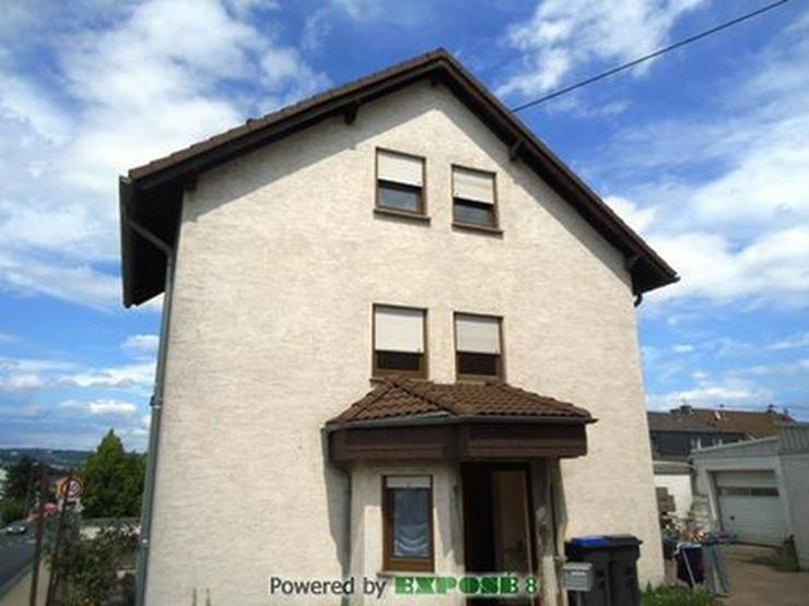 Bild 2: Einfamilienhaus mit Doppelgarage