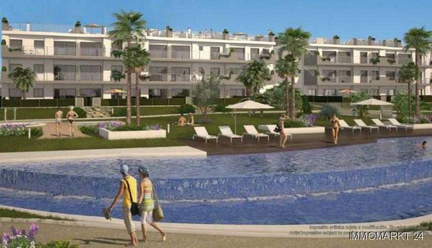 3-Zimmer-Penthouse-Wohnungen in Anlage in 1. Linie am Strand