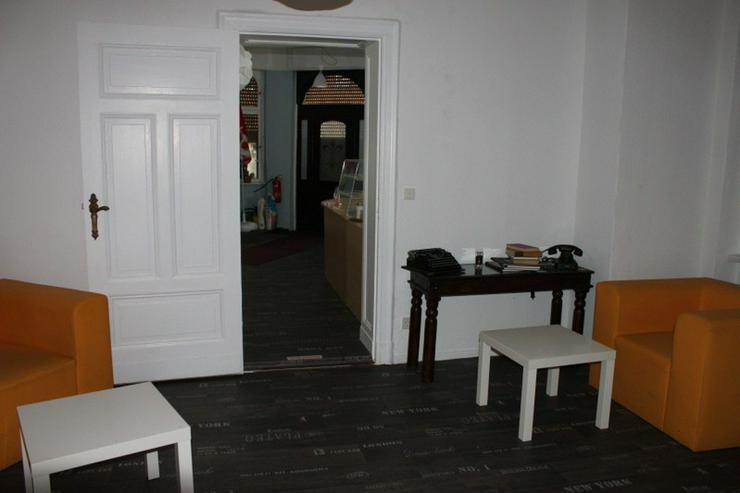 Bild 3: Gew.-R./Außenbereich Café,Gastst. Bäckerei -Eisdiele.  Denkmalschutz