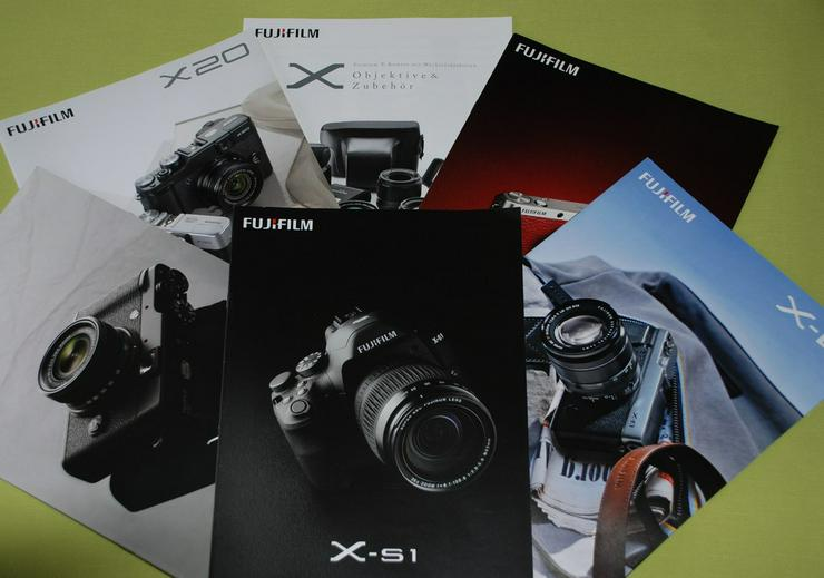 Bild 2: Fujifilm-Kamera-Prospekte