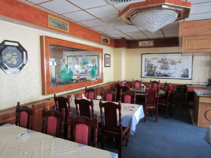 Bild 5: Großes Restaurant mit Wohnung und 12 Stellplätzen (A259)