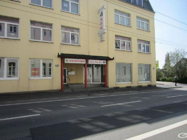 Großes Restaurant mit Wohnung und 12 Stellplätzen (A259)
