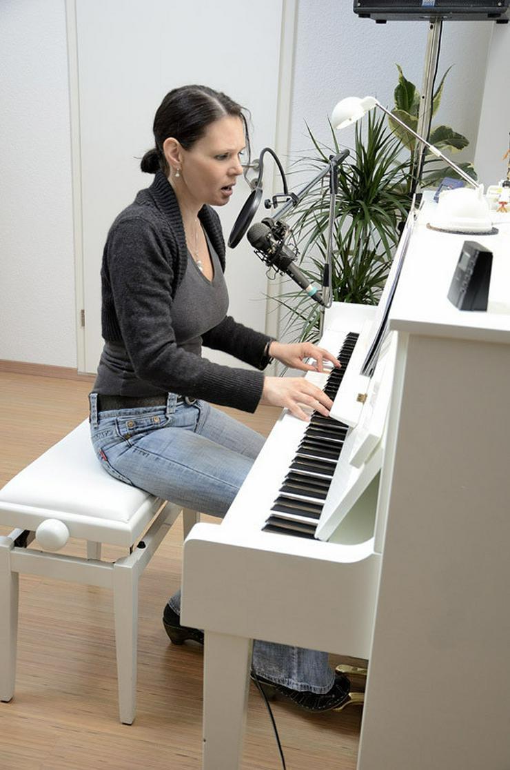 bilder zu klavier keyboard gitarre lernen in schwalmtal in schwalmtal nordrhein westfalen. Black Bedroom Furniture Sets. Home Design Ideas
