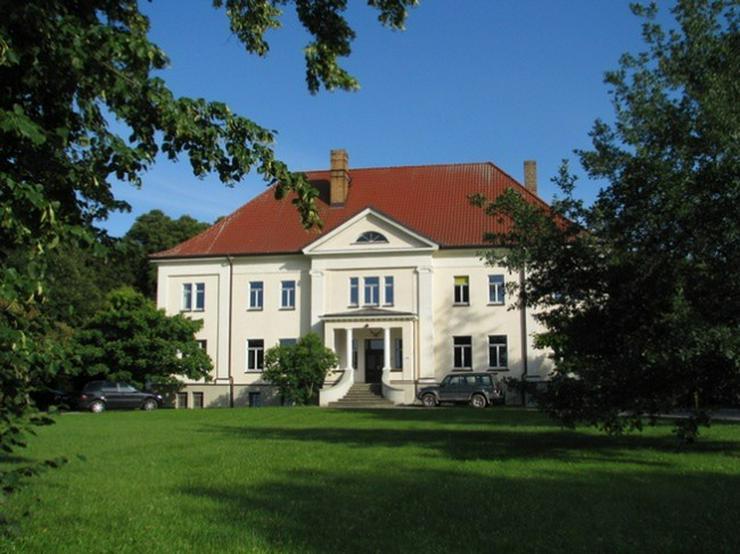 Wohnen auf Zeit im Gutshaus vor den Toren Rostocks - hochwertig ausgestattete Apartments -