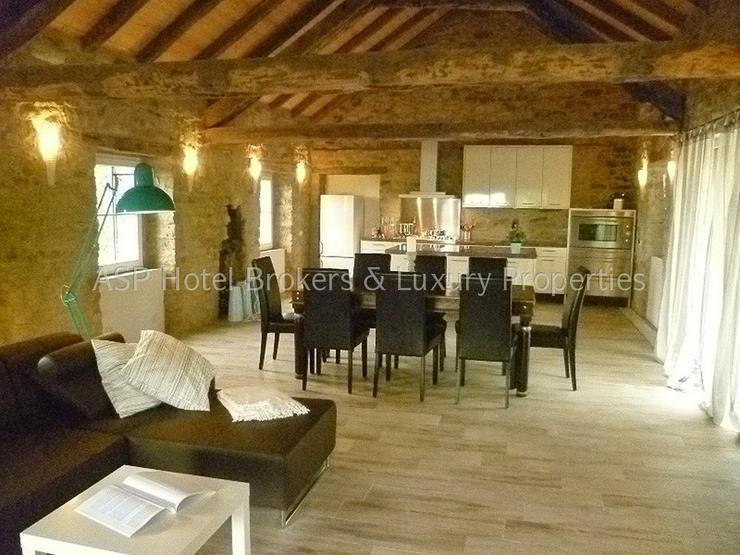 Piemont AAA-Traumobjekt! Kaufen Sie ein ganzes Dorf bei Alba im Piemont aus 15 restauriere...