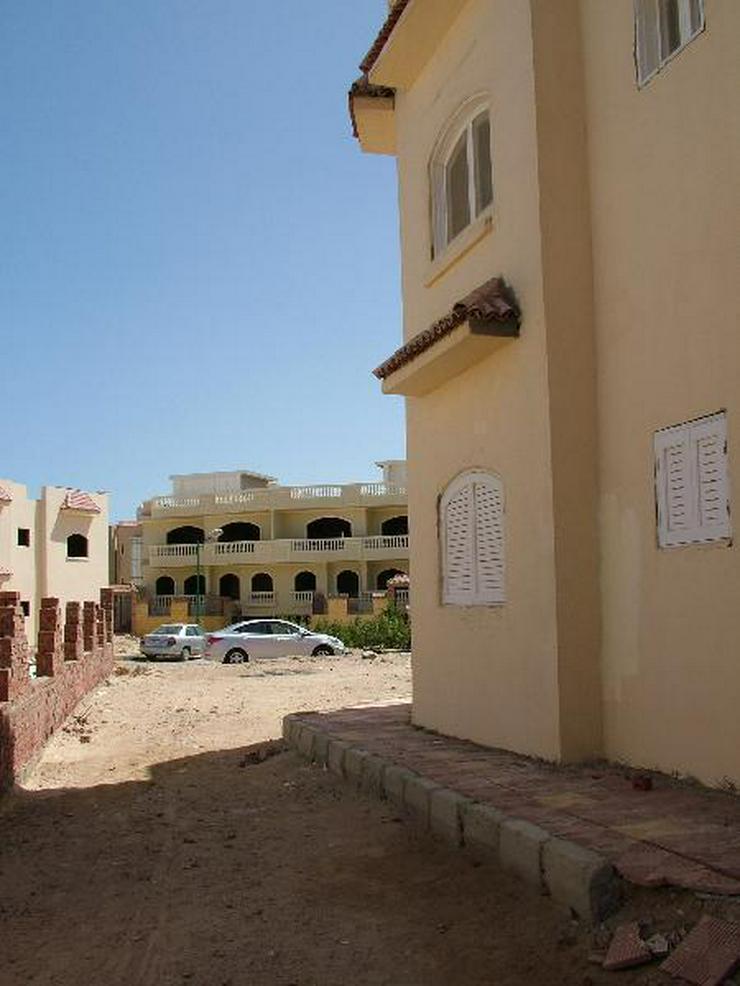 Bild 6: Fertige Villa in Mubarak 6 mit Dachterasse und Gartem